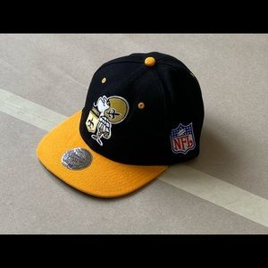 Mitchell & Ness Accessories - Mitchell & Ness N.O. Saints Throwback SnapBack Cap
